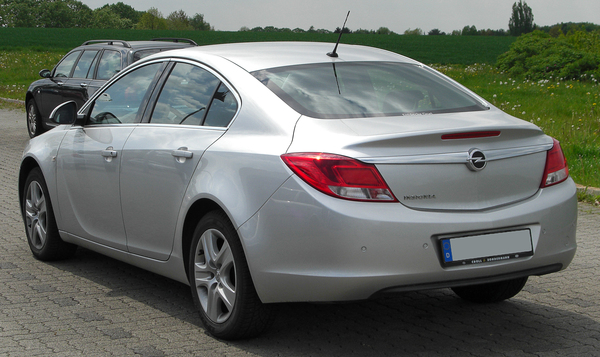 Opel Insignia 170 CH COSMO PACK A Essence