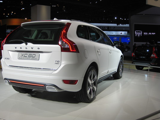 Volvo XC60 215 CH R-DESIGN GEARTRONIC A Diesel
