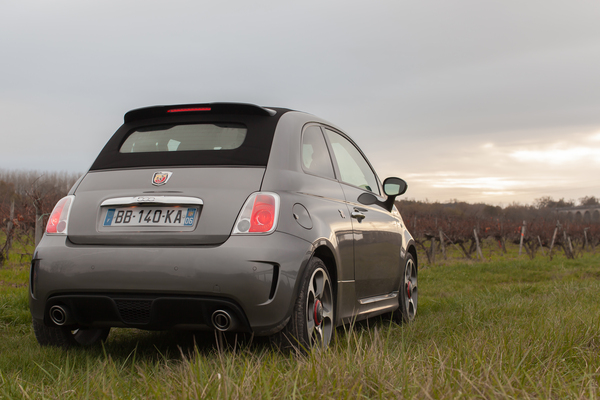Abarth 500C ABARTH 500C 1.4 TURBO 16V T-JET 140 CH A Essence