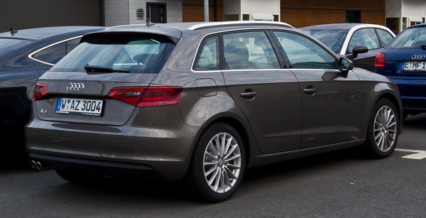 Audi A3 Sportback 150 CH AMBITION LUXE S TRONIC 6 Diesel