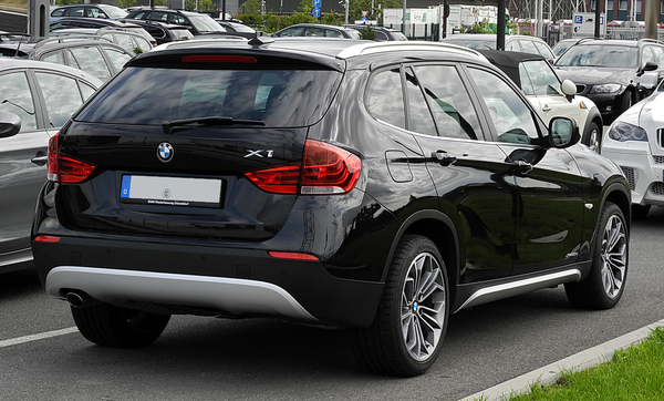 BMW X1 X1 SDRIVE 20I 184 CH LOUNGE A Essence