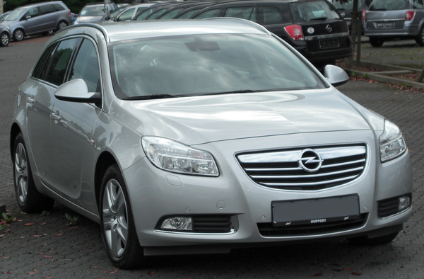 Opel Insignia Sports Tourer 325 CH OPC Essence