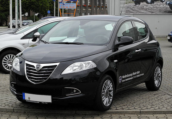 Lancia Ypsilon 69 CH GOLD Essence