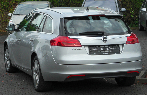 Opel Insignia Sports Tourer 170 CH COSMO PACK A Essence