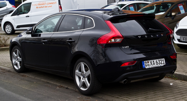 Volvo V40 150 CH SUMMUM GEARTRONIC A Diesel