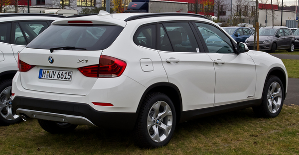 BMW X1 X1 XDRIVE 20I 184 CH LOUNGE Essence