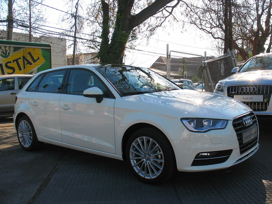 Audi A3 Sportback 122 CH ATTRACTION Essence