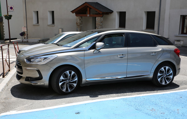 Citroën DS5 115 CH BE CHIC ETG6 Diesel