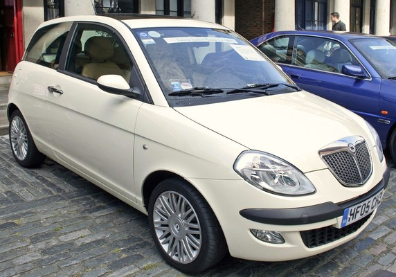Lancia Ypsilon 85 CH GOLD DFS Essence